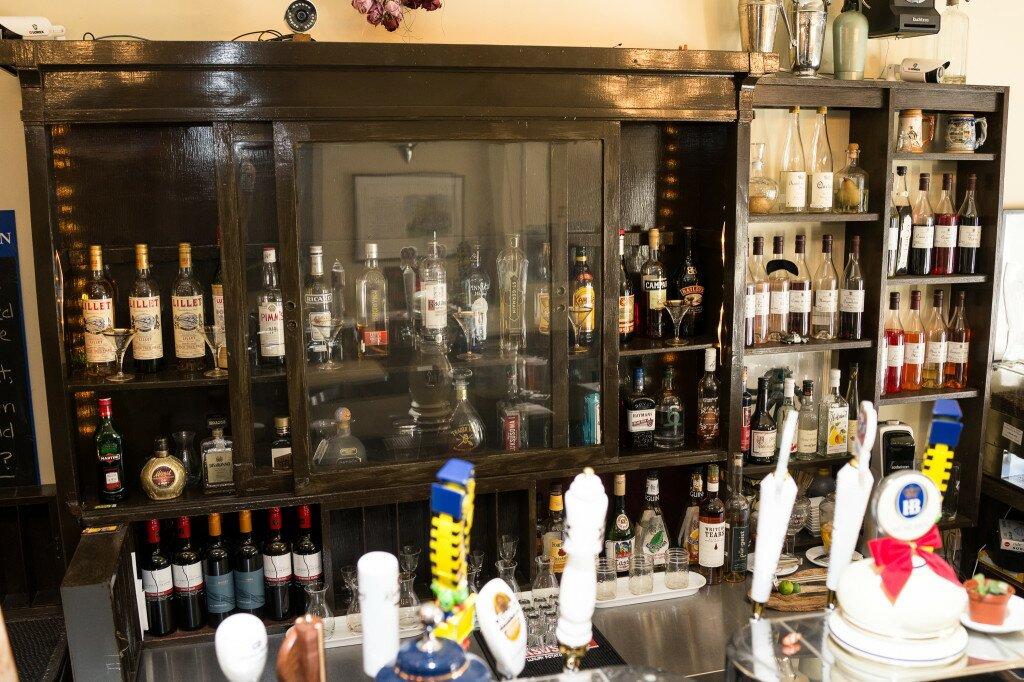 behind bar-DSC02246